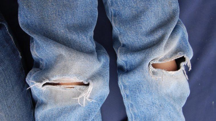 jean-troue-homme-zoom-sur-ce-pantalon-indemodable
